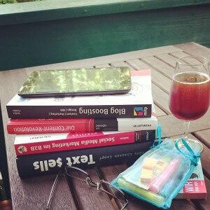 Fachbuch Neuzugänge; Blog Boosting, Text sells und vieles mehr