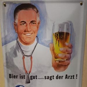Altes Werbeschild: Bier ist gut sagt der Arzt Technoseum Mannheim