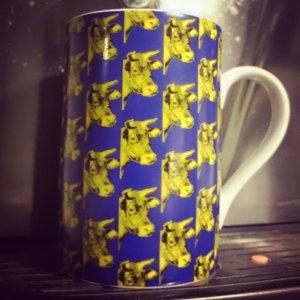 Kuh von Warhol auf einer Kaffeetasse