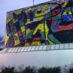 Hack Museum Ludwigshafen. Fassade mit Miro.