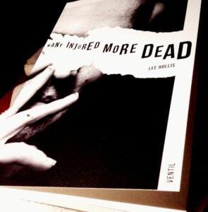 Lee Hollis, Sänger der Hardcore Bands Spermbands und Steakknife, hat im Ventil Verlag Kurzgeschichten veröffentlicht