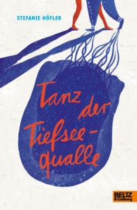 Jugendbuch Tanz der Teifseequalle. Das Cover zeigt, wie die schöne Sera mit dem dicken Niko tanzt. Ihr Schatten gleicht einer Meerjungfrau, seiner einer dicken Qualle