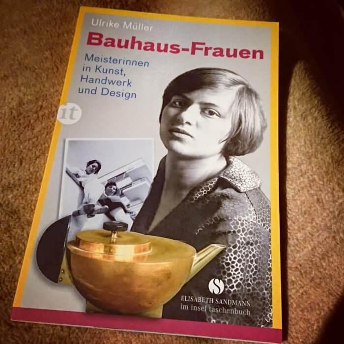 Bauhaus-Frauen. Sammlung mit Biographien.