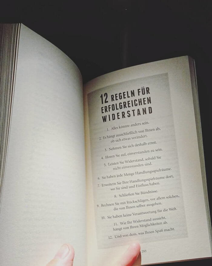 Selbst denken. Die ersten Schritte sind ganz einfach sagt Harald Welzer: sich endlich wieder ernst nehmen, selbst denken, selbst handeln. Buch-Cover.
